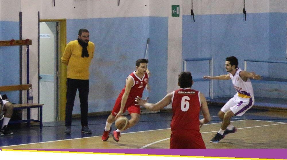 """Castanea Basket, Frisenda: """"Amiamo questo sport, ma ripartire adesso è un'utopia"""""""